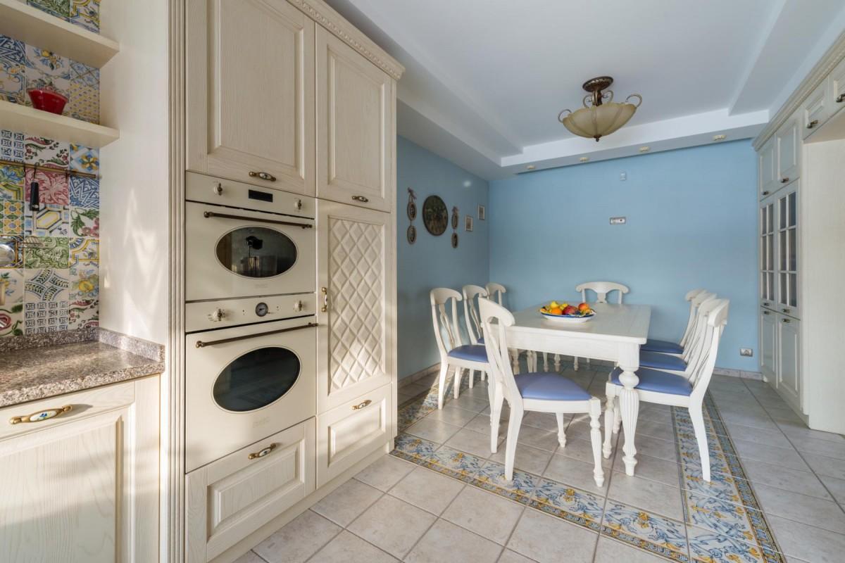 Cucina laccata spazzolato 13