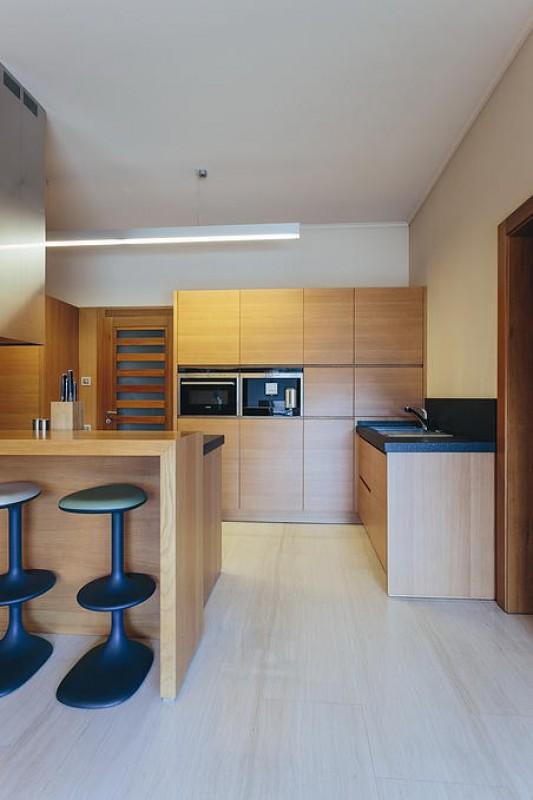 18 Cucina in rovere tinto nocciola