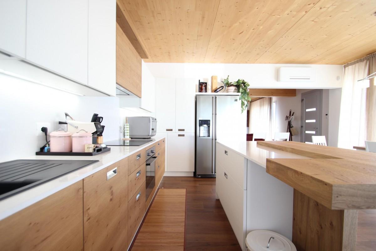 26 Cucina rovere nodato