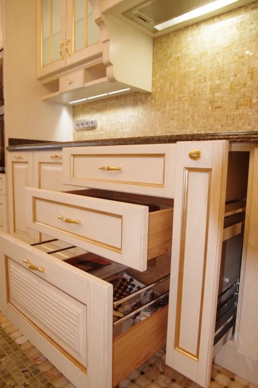 Cucina laccata bianco spazzolato 1
