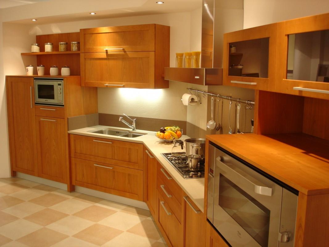12 Cucina a telaio in ciliegio chiaro - ER. MA. DA ...