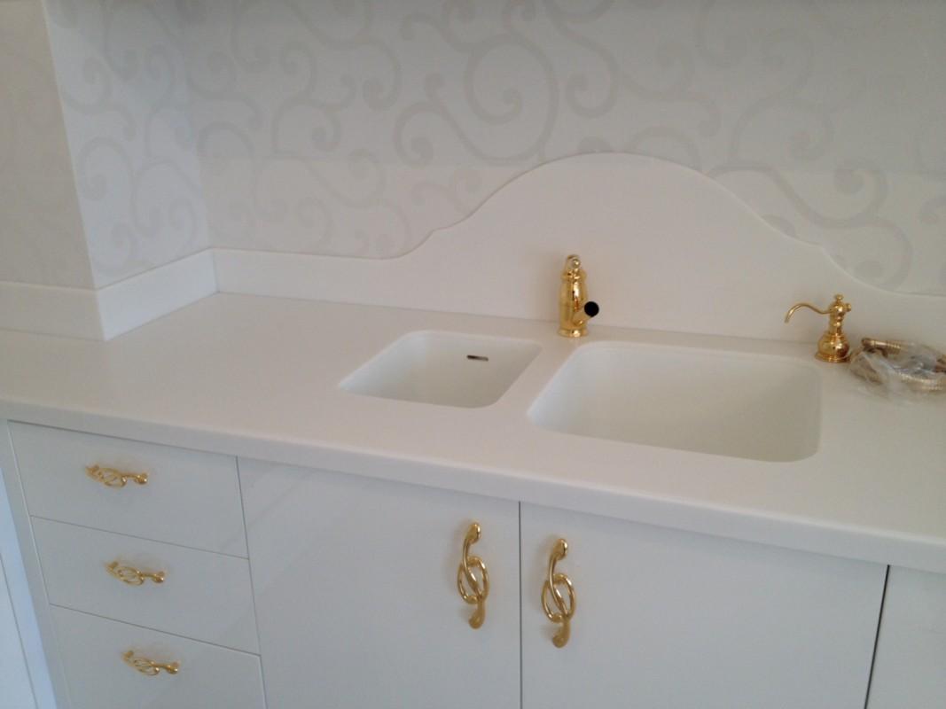 14 Cucina laccata bianco lucido