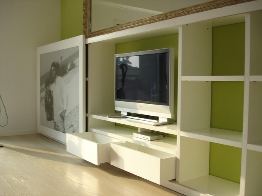 1 Mobile tv laccato bianco