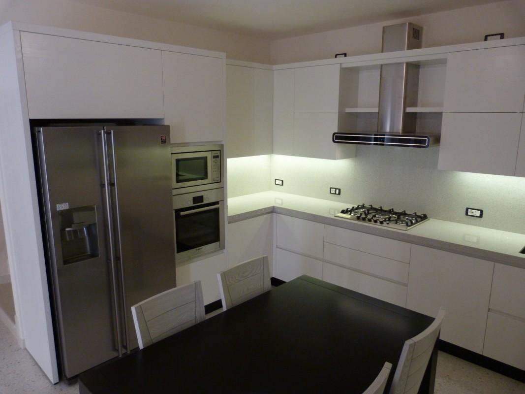 16 Cucina moderna laccata frassino bianco - ER. MA. DA ...