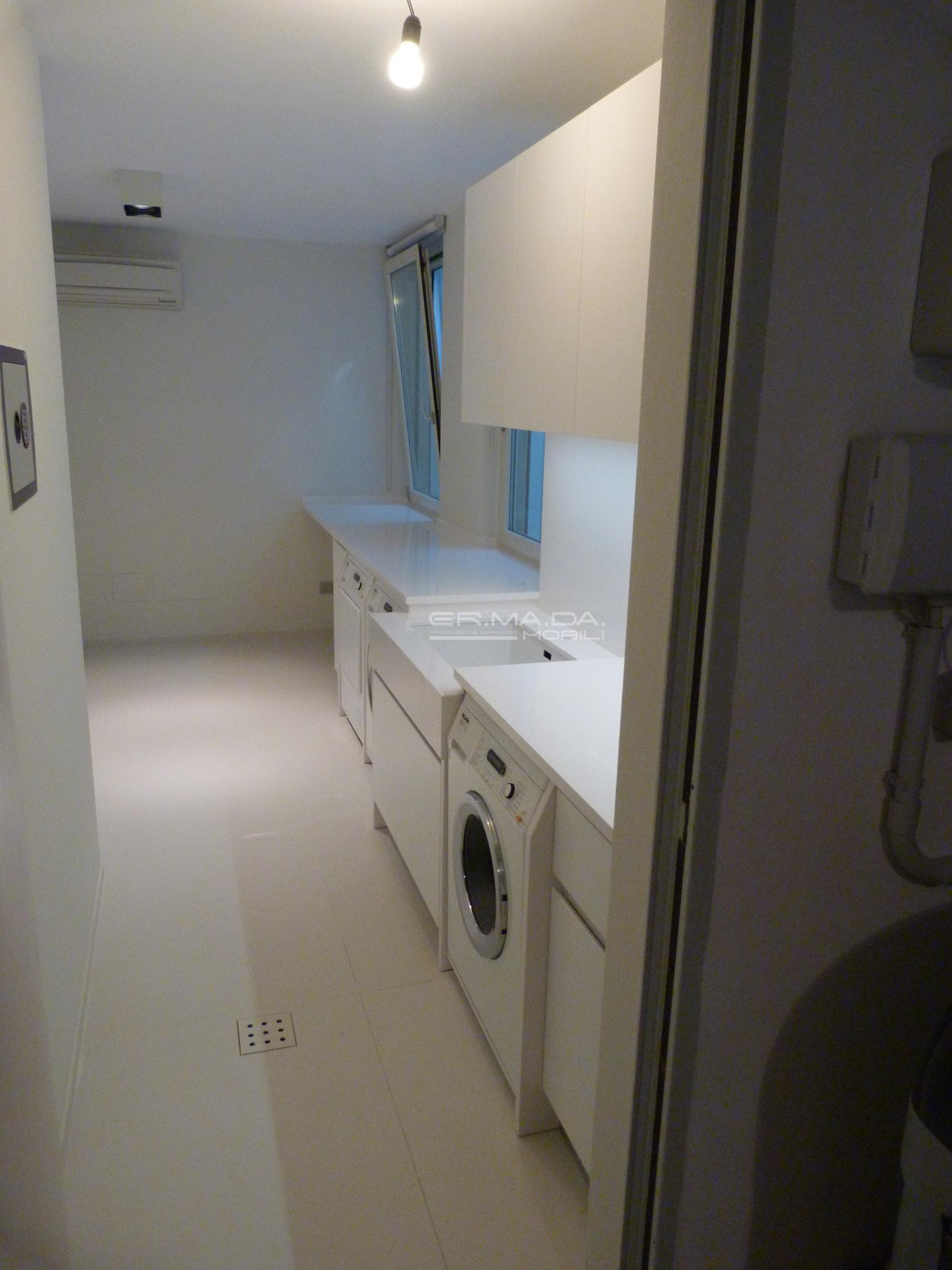 Bagno lavanderia 10 er ma da mobilificio progetta e for Progetta i tuoi mobili online