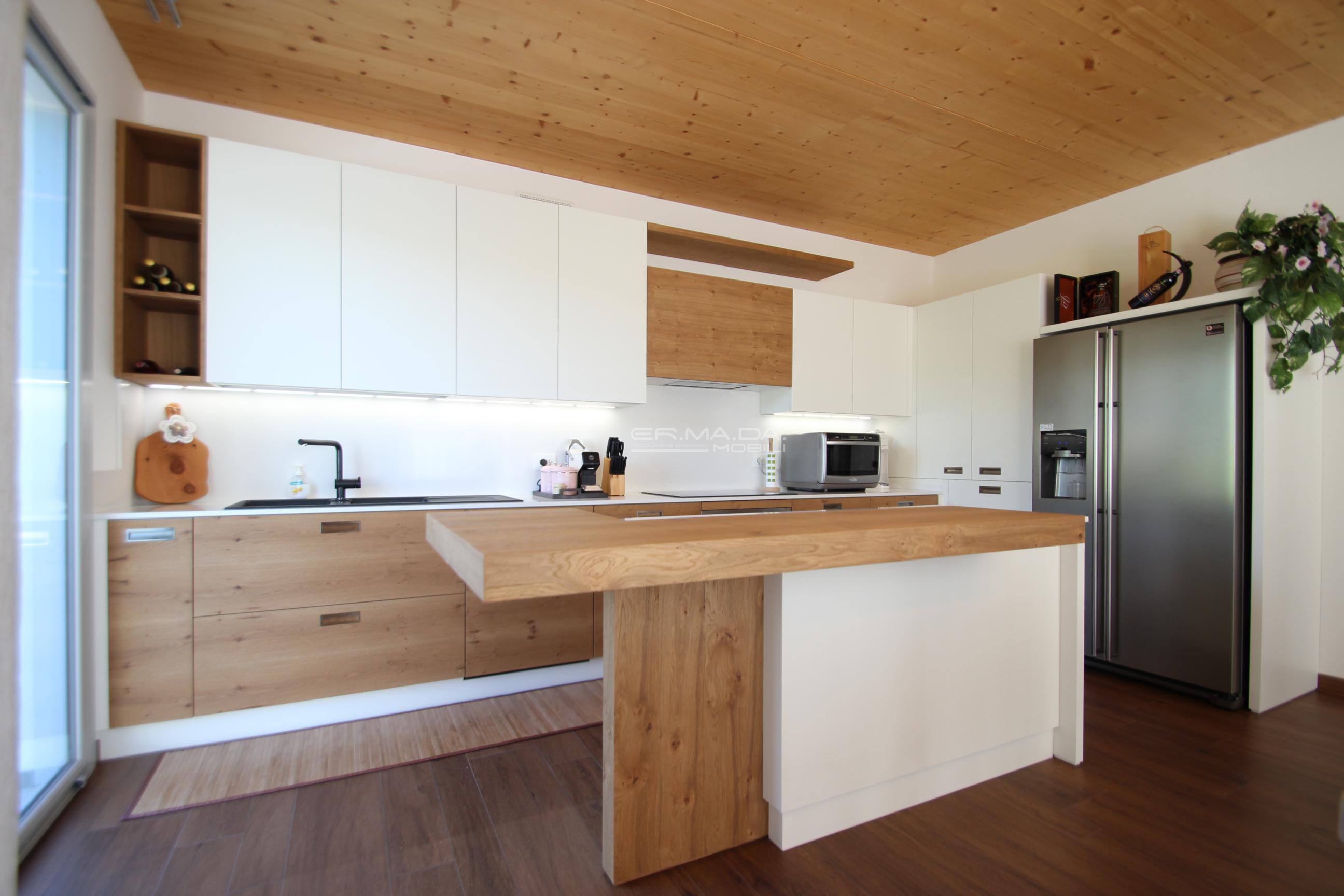 26 cucina rovere nodato er ma da mobilificio progetta e costruisce i tuoi mobili - Cucine in rovere ...