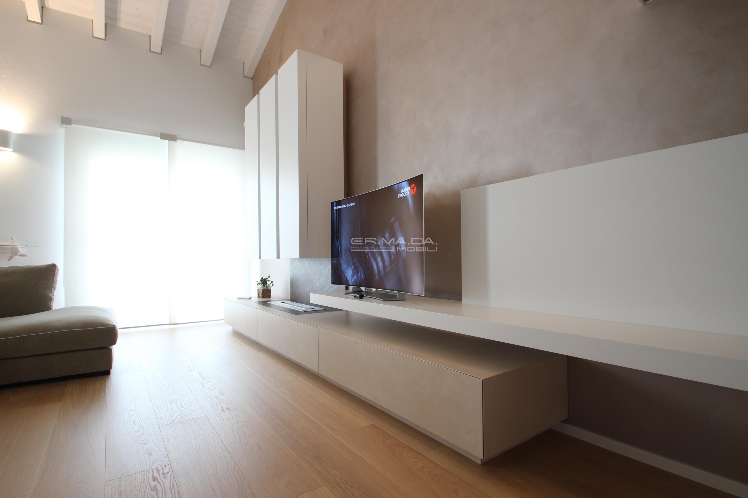 17 mobile tv con camino bioetanolo er ma da for Progetta i tuoi mobili online