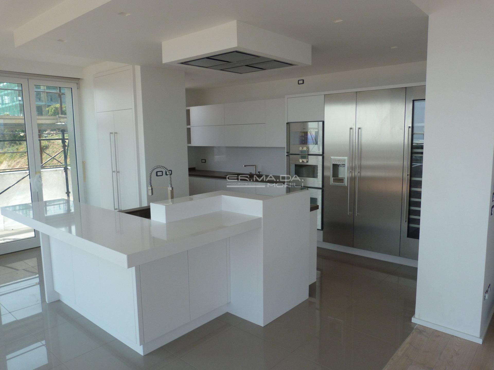 2 Cucina moderna bianco opaco - ER. MA. DA. Mobilificio - Progetta ...
