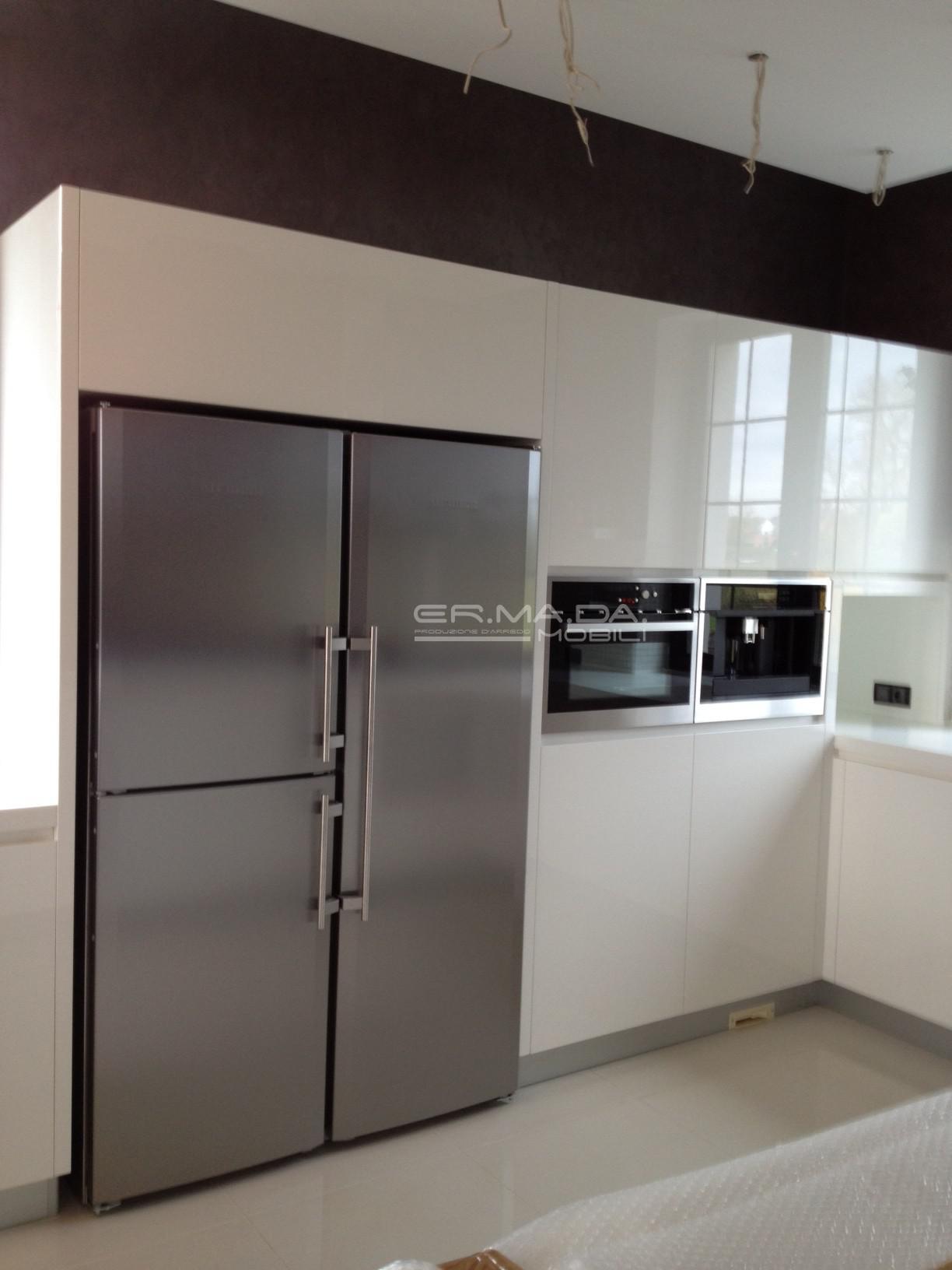 13 cucina laccata bianco lucido er ma da mobilificio - Cucina bianco lucido ...